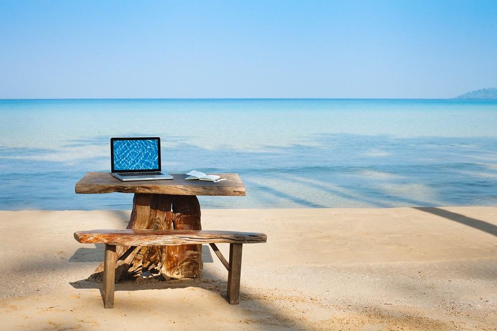 beach_computer.jpg